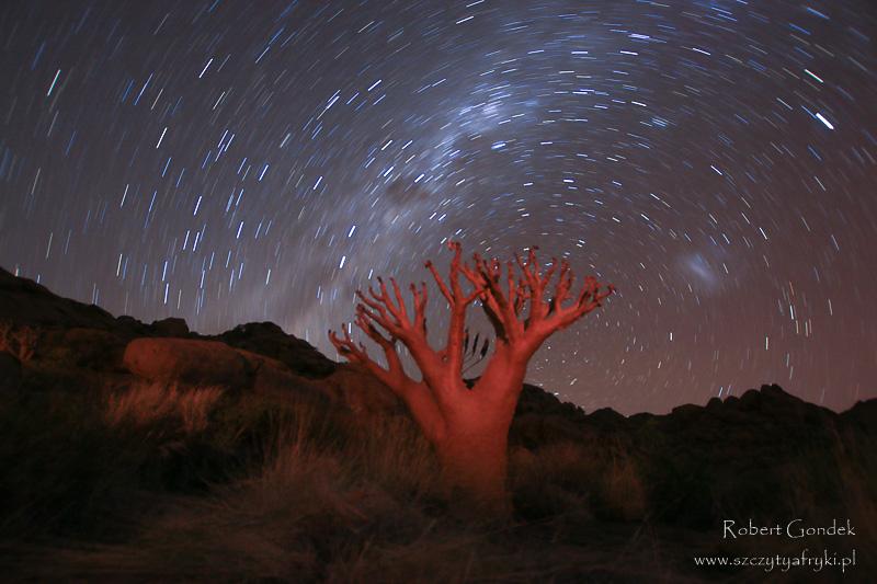 Nocne niebo w Namibii