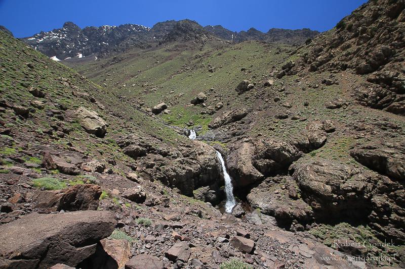 Maroko - Wodospad w górach Atlas