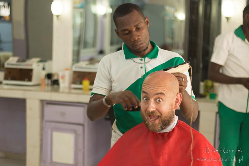 Jaunde – u fryzjera
